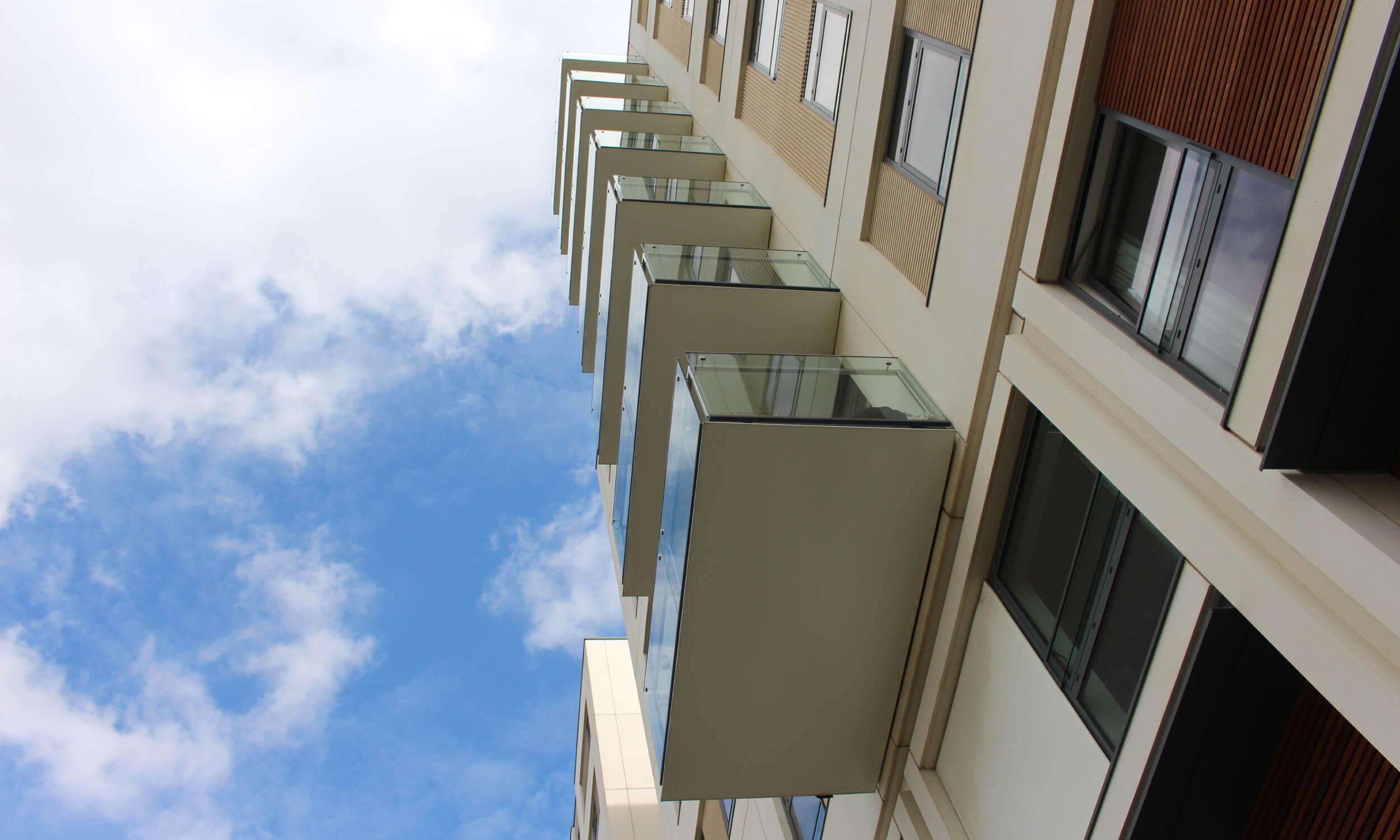 Commercial Building Glass London UK