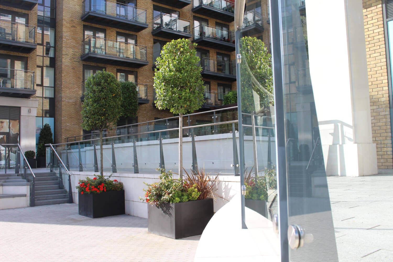 Kew Bridge commercial glass supplier London UK