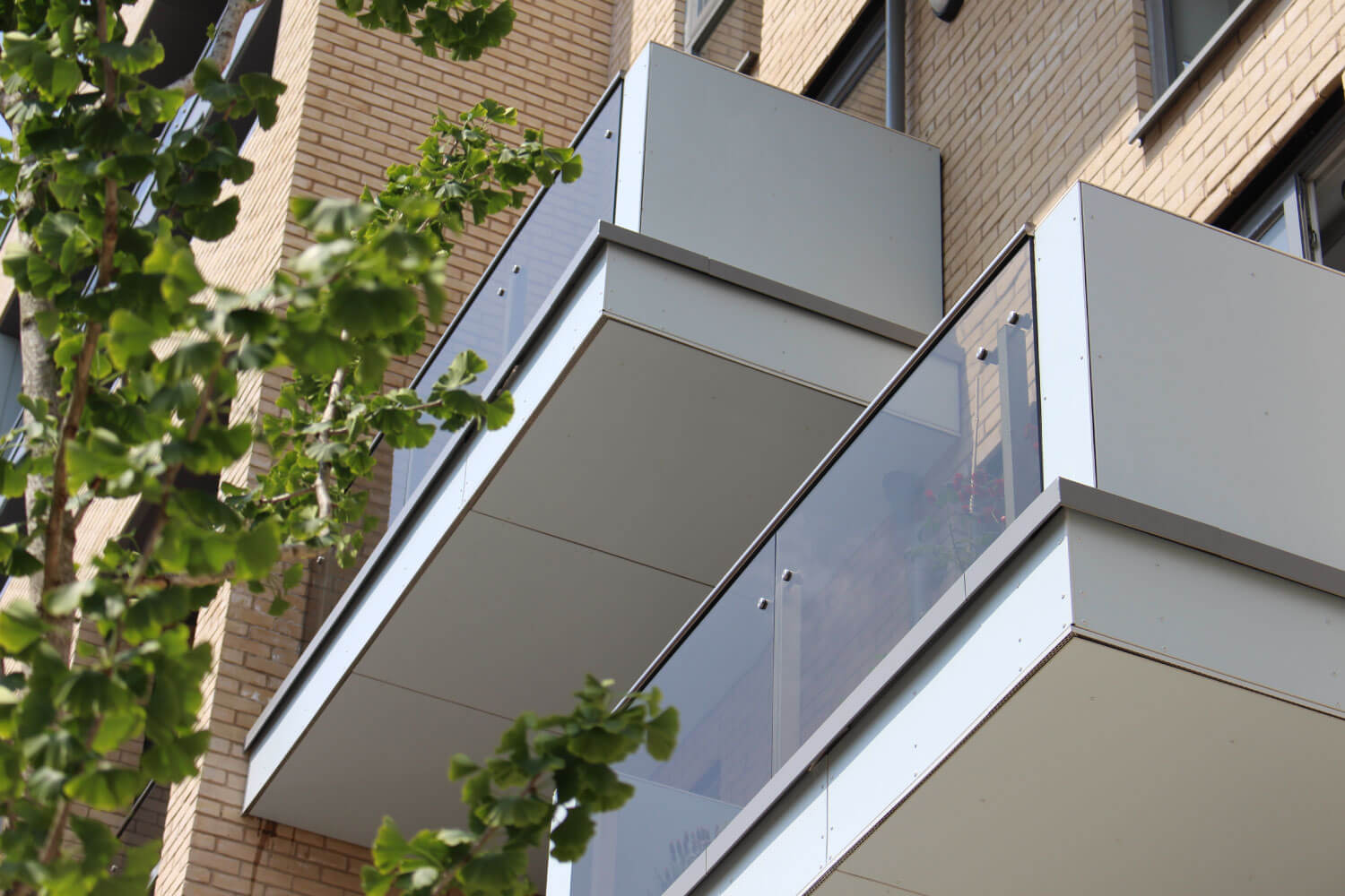 NX Gate commercial glass supplier London UK