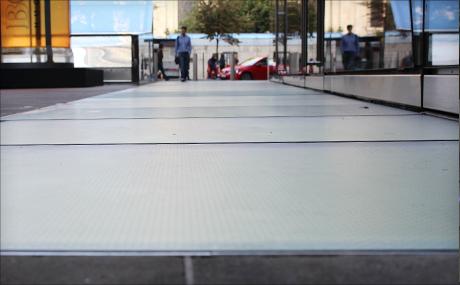 Glass Floors Toughglaze Uk Ltd 0208 838 4400